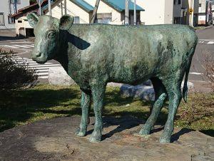 本郷新による子牛の銅像